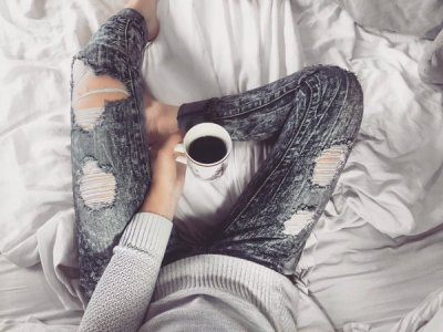Coffee Sunday Funday Lounging Relaxing Weekend Vibes Minimalist Amanda Kayla Liberty